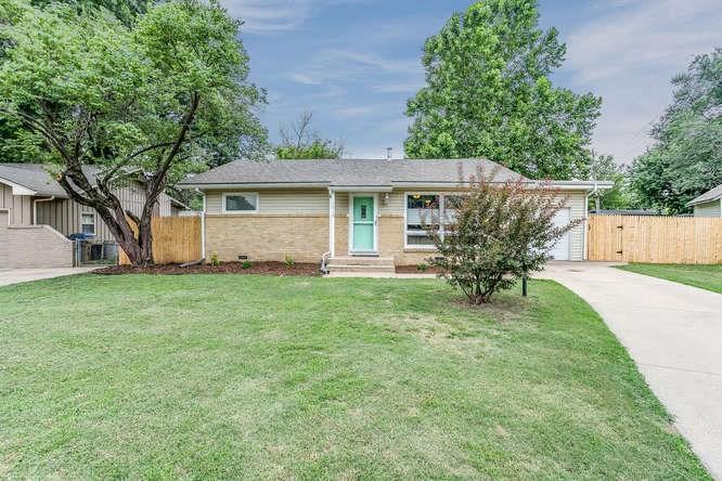 1310 N Pleasantview Dr, Derby, KS 67037
