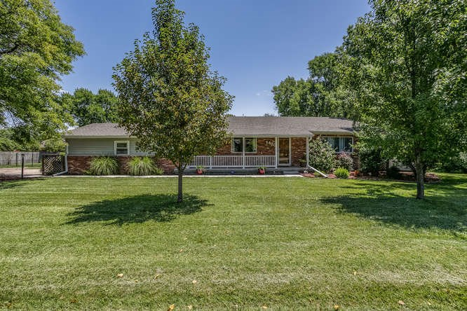 420 S Howe Rd, Wichita, KS 67209