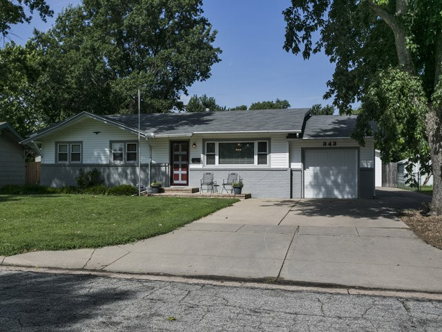 343 N Acadia St, Wichita, KS 67212