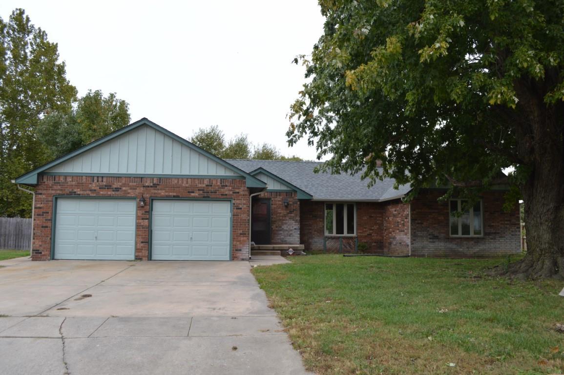 412 Mimosa Dr, Haysville, KS 67060