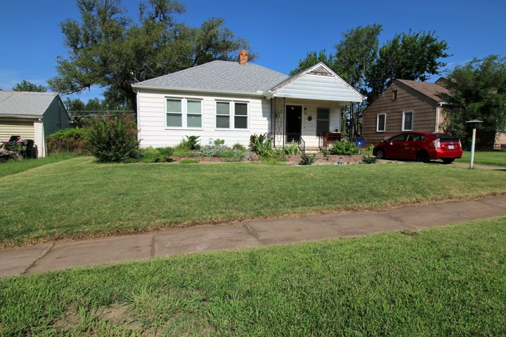 921 N Old Manor Rd, Wichita, KS 67208