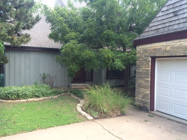 7211 E Bainbridge Rd, Wichita, KS 67226