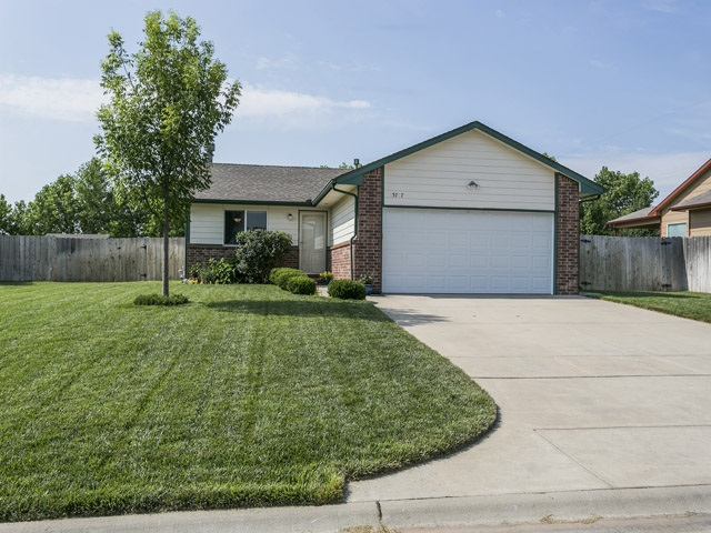 13707 W Kiwi St, Wichita, KS 67235