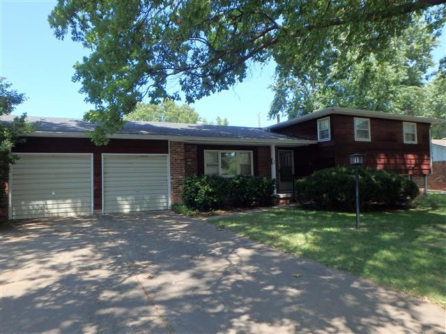 1134 N Wood, Wichita, KS 67212
