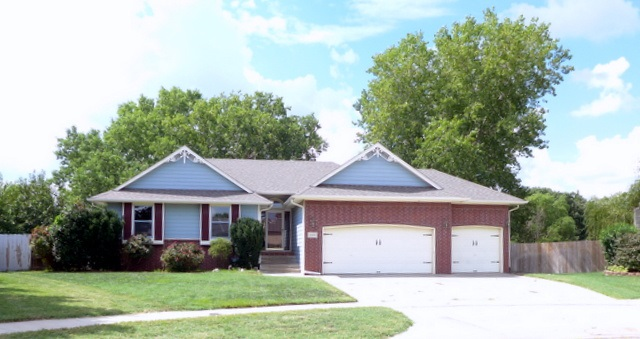 1600 E Windwood Circle, Derby, KS 67037