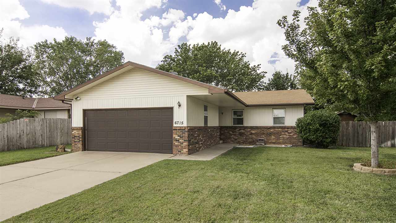 6715 N Grove St, Park City, KS 67219