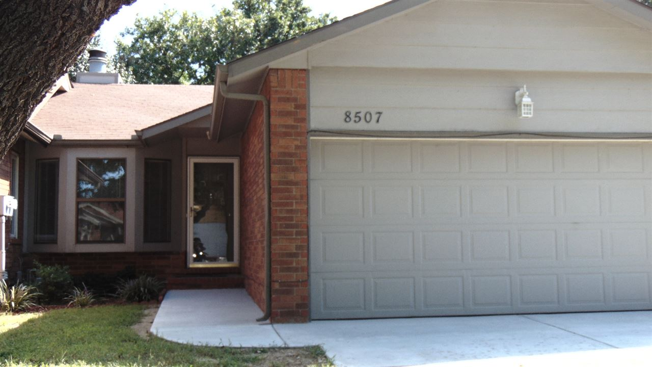8507 W Nantucket St, Wichita, KS 67212