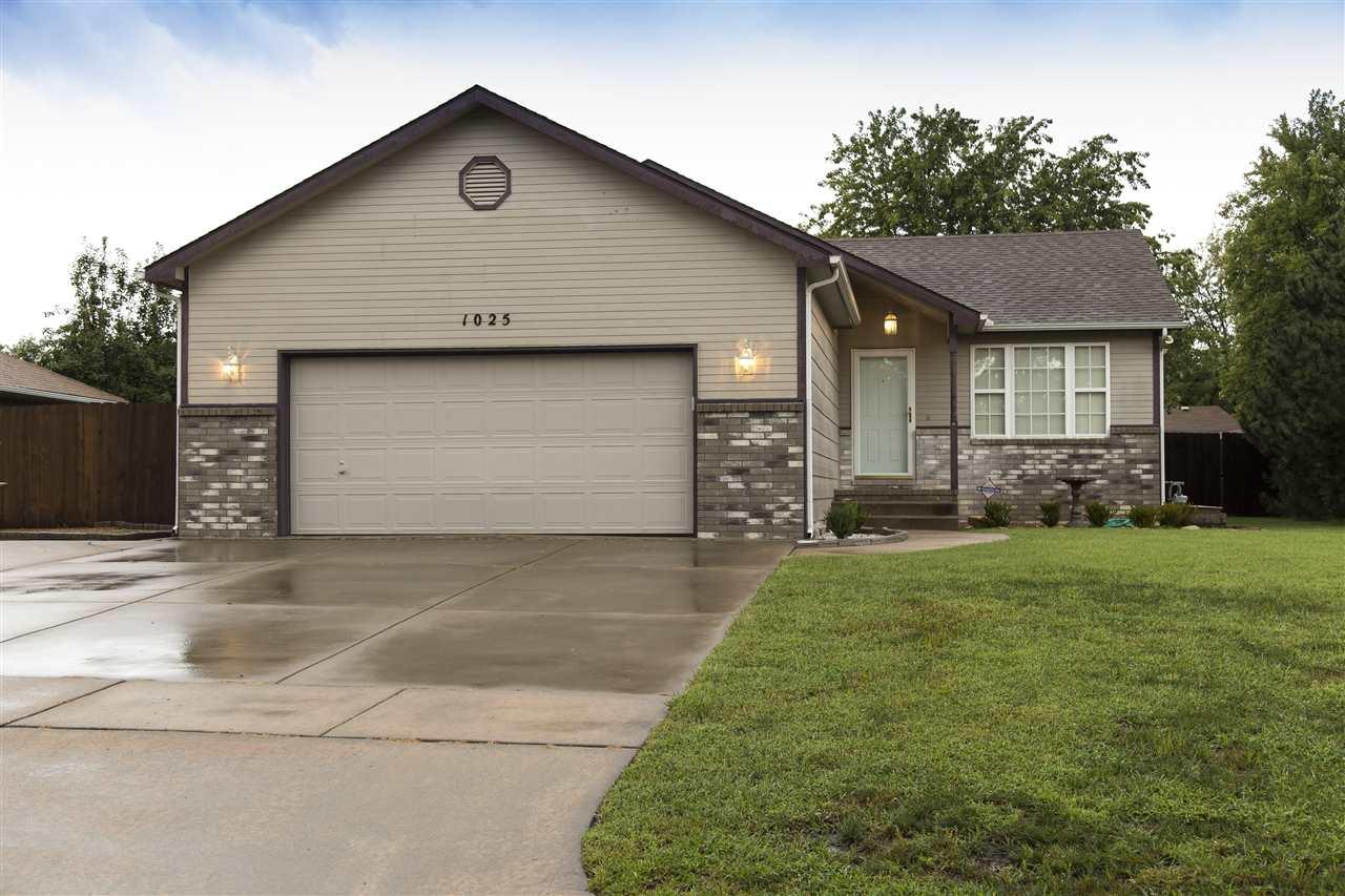 1025 S Burrus Ct, Wichita, KS 67207