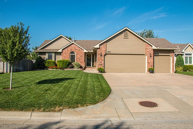 2809 N Cardington, Wichita, KS 67205