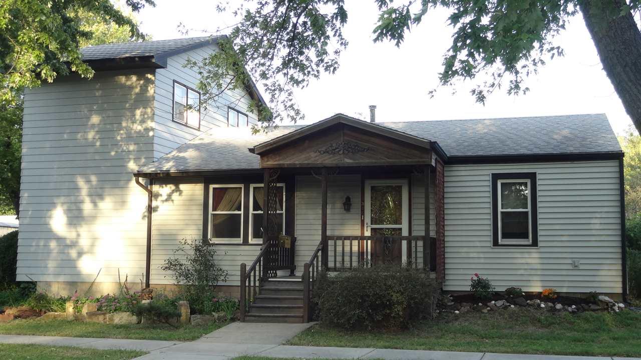 300 Pine Street, Halstead, KS 67056