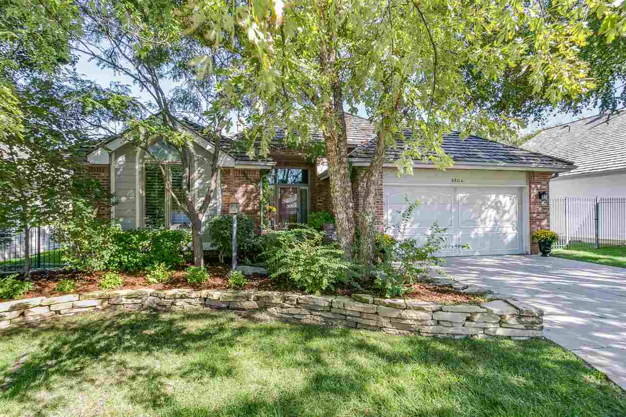 8804 E Bradford Circle, Wichita, KS 67206