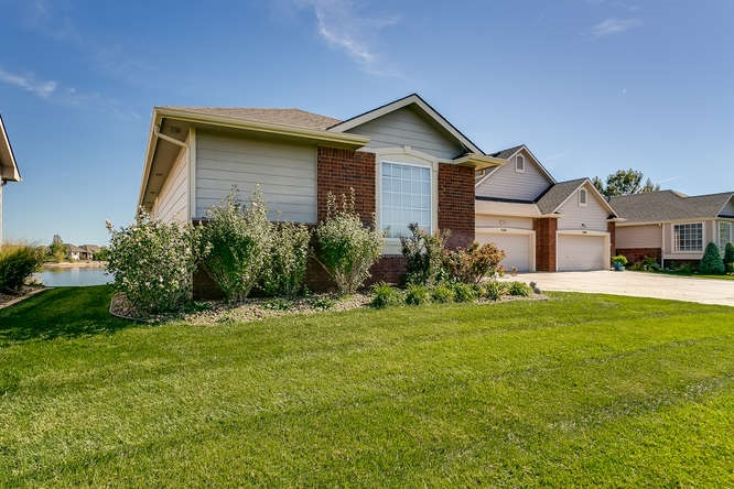 3210 N Westwind Bay St, Wichita, KS 67205