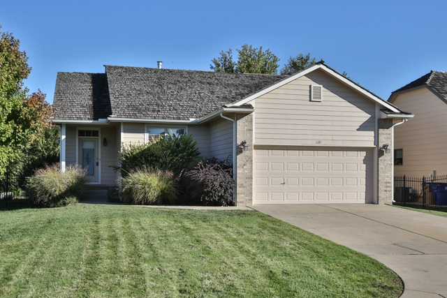 1620 W Oxford Ct, Andover, KS 67002
