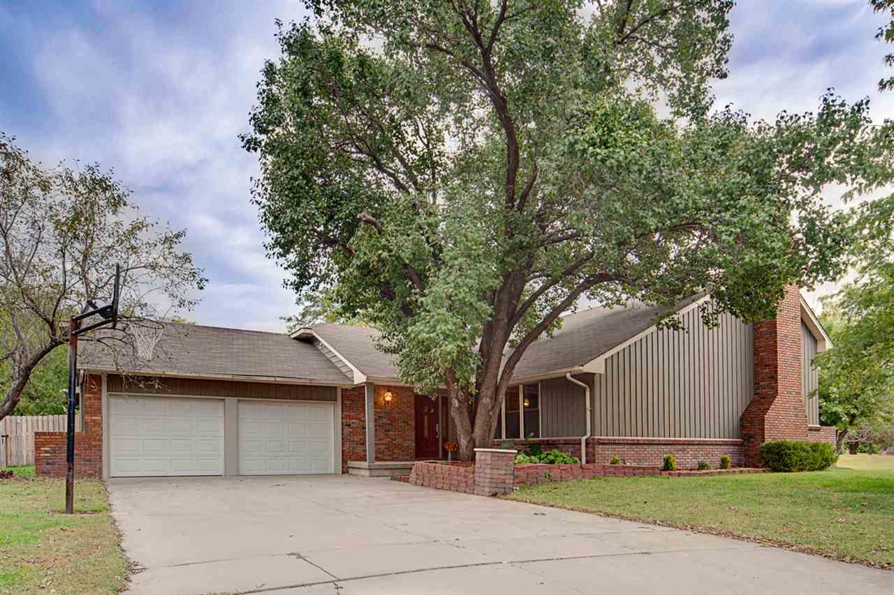 2555 N Claiborn Circle, Wichita, KS 67226