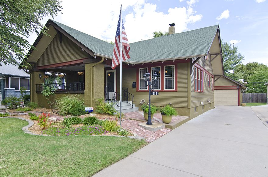 316 N Bluff, Wichita, KS 67208