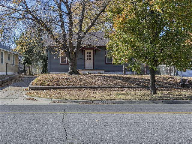 233 N Meridian Ave, Wichita, KS 67203