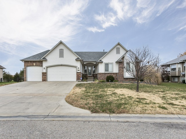 1633 S Aspen Creek Dr, Andover, KS 67002
