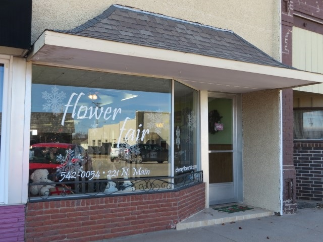 221 N Main St, Cheney, KS 67025