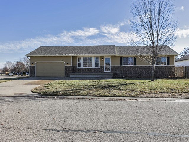 2132 S Parkridge, Wichita, KS 67209