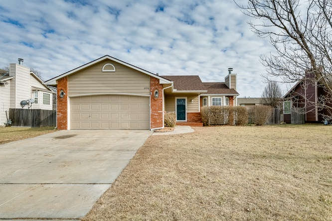1604 N Prairie Run Circle, Mulvane, KS 67110