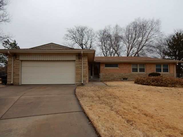 1316 N ARROWHEAD DR, Wichita, KS 67203