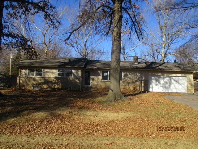 401 S Keith Ave, Wichita, KS 67209