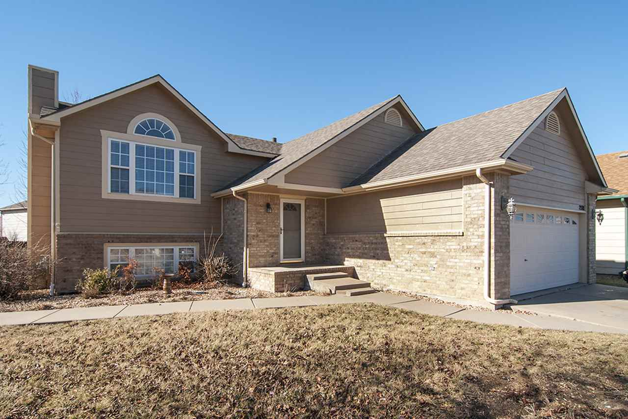 2521 S Greenleaf St, Wichita, KS 67210
