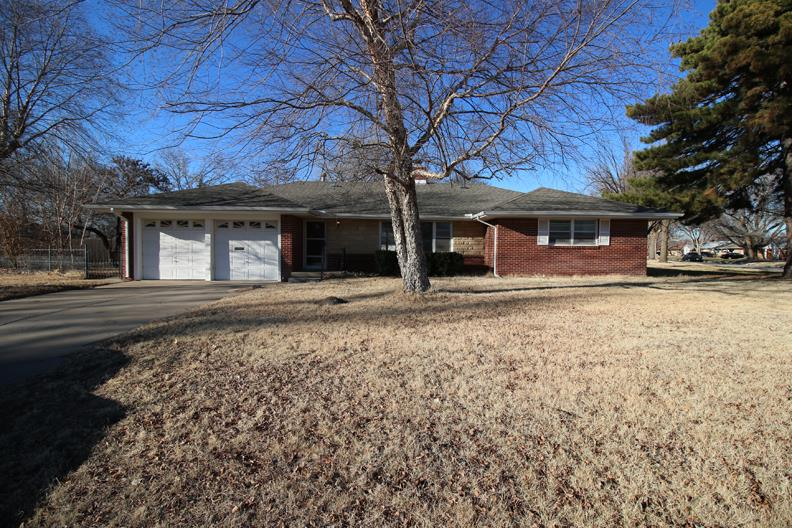 1601 N Womer Dr, Wichita, KS 67203