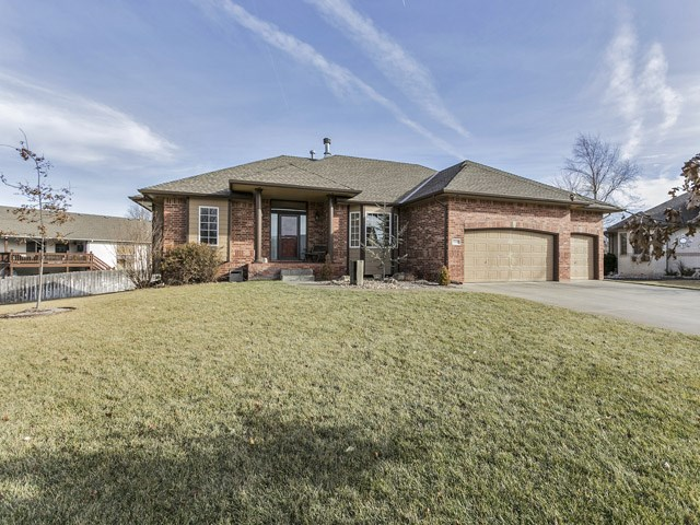 3345 N North Shore Cir, Wichita, KS 67205