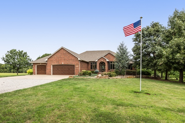 18900 W 2nd Cir, Goddard, KS 67052