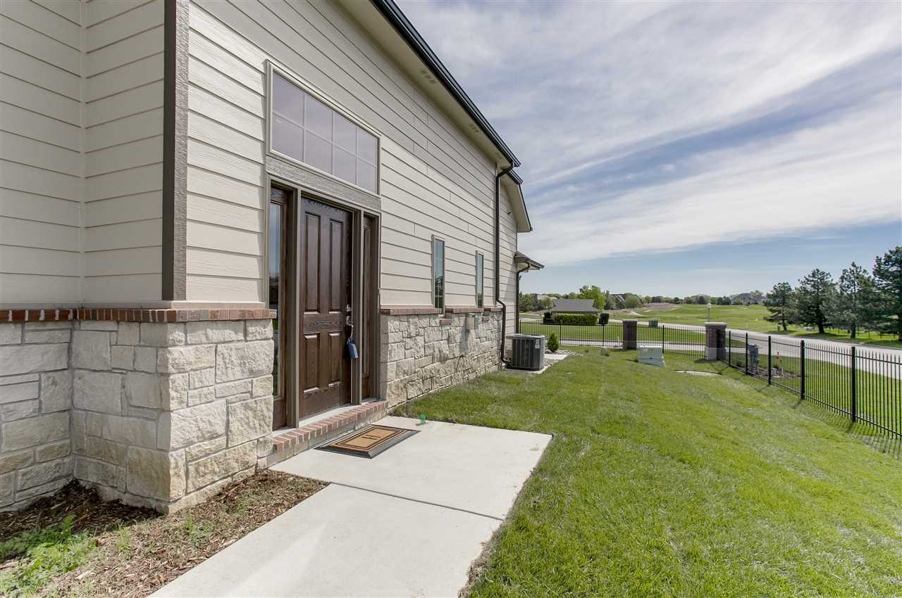 818 N McCloud Unit 209, Andover, KS 67002