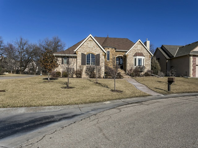 15924 E Lynnwood Circle, Wichita, KS 67230