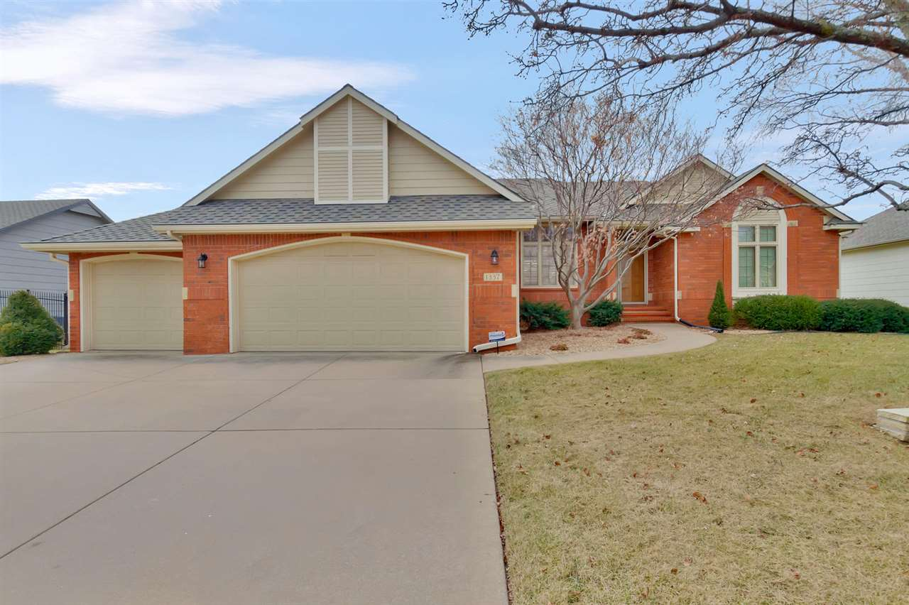 1337 N Pine Grove Ct, Wichita, KS 67212