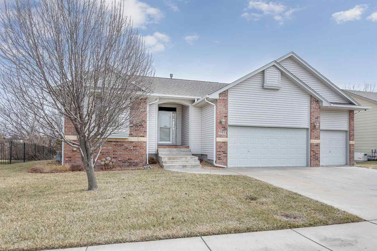2122 N NEWBERRY ST, Derby, KS 67037
