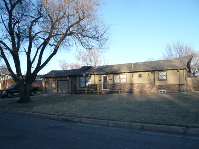 1810 N Edgemoor St, Wichita, KS 67208