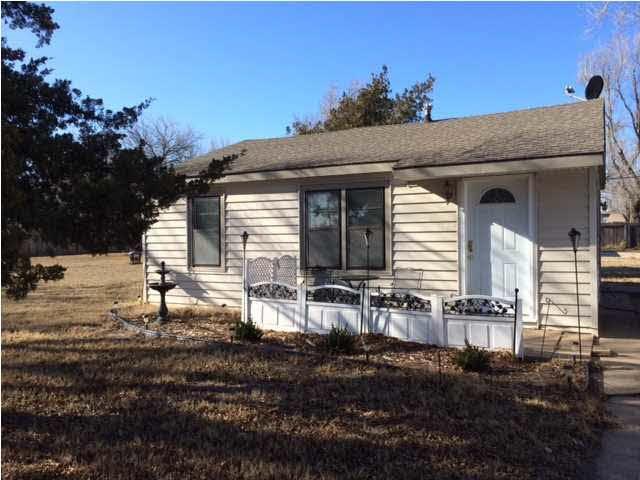 725 N Eisenhower St, Wichita, KS 67212