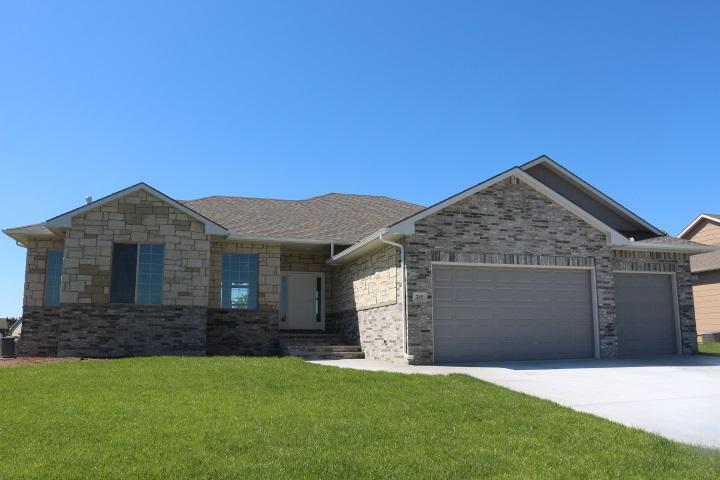 245 S GRAND MERE CT, Wichita, KS 67230