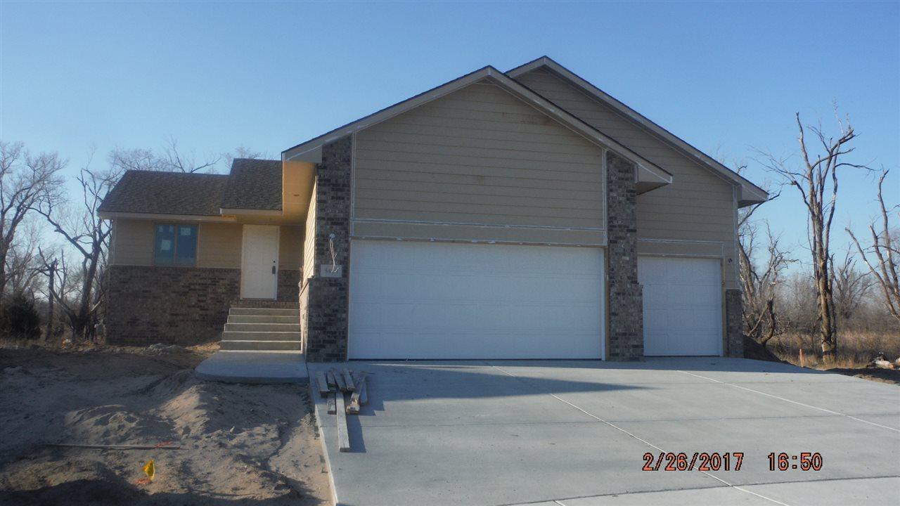 5415 Meadowview Ct., Wichita, KS 67216