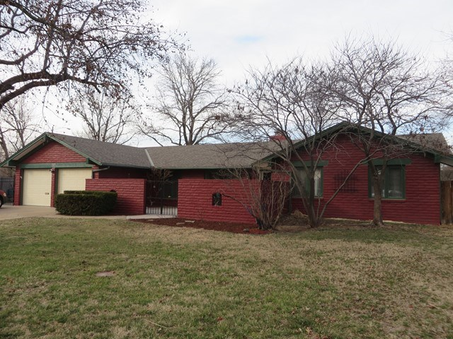 3063 W River Park Ct, Wichita, KS 67203