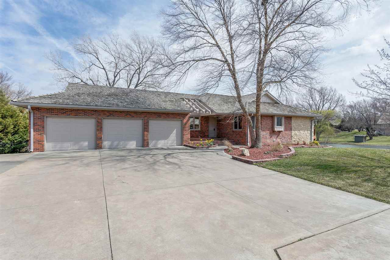 660 N Preston Trail, Wichita, KS 67230