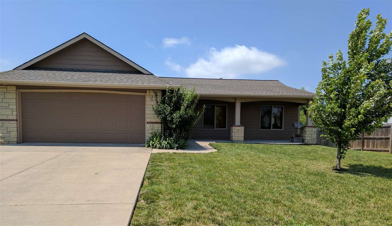 2037 E Brookstone St, Derby, KS 67037