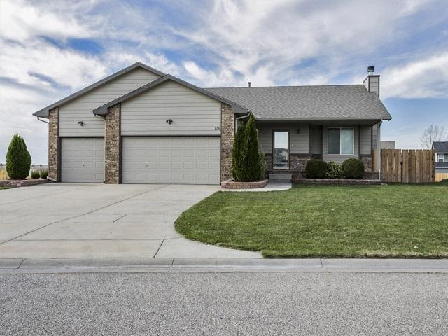 715 S Windrose St, Haysville, KS 67060