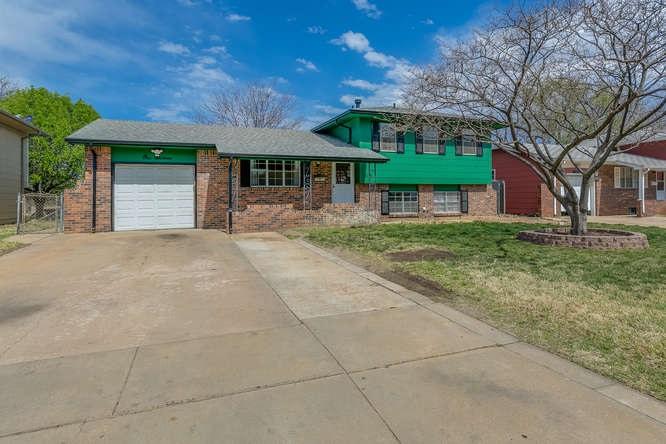 116 W 30th St S., Wichita, KS 67217