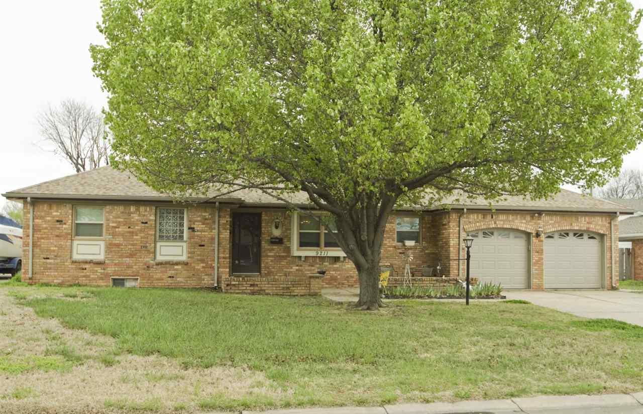 9211 W Suncrest St., Wichita, KS 67212