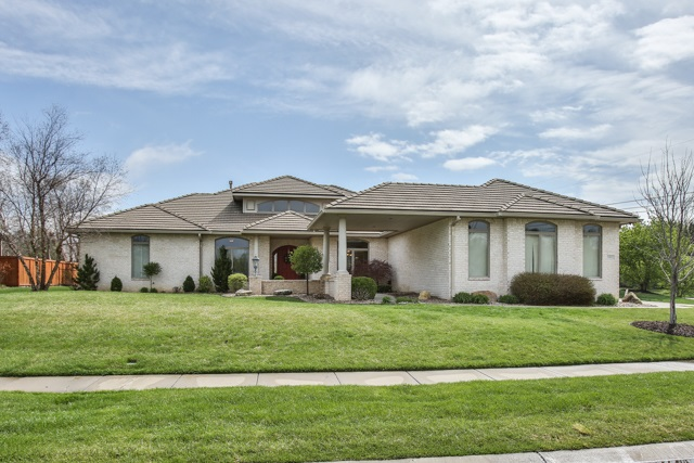 1802 N Red Brush, Wichita, KS 67206