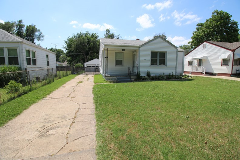 2231 S Pattie St, Wichita, KS 67211