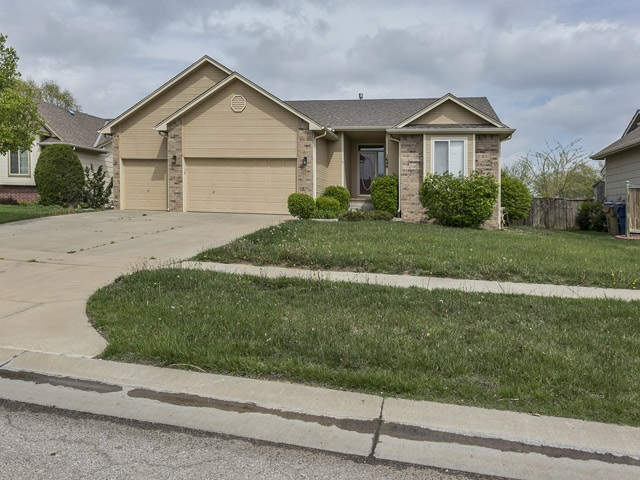 1648 E WINDWOOD CIRCLE, Derby, KS 67037