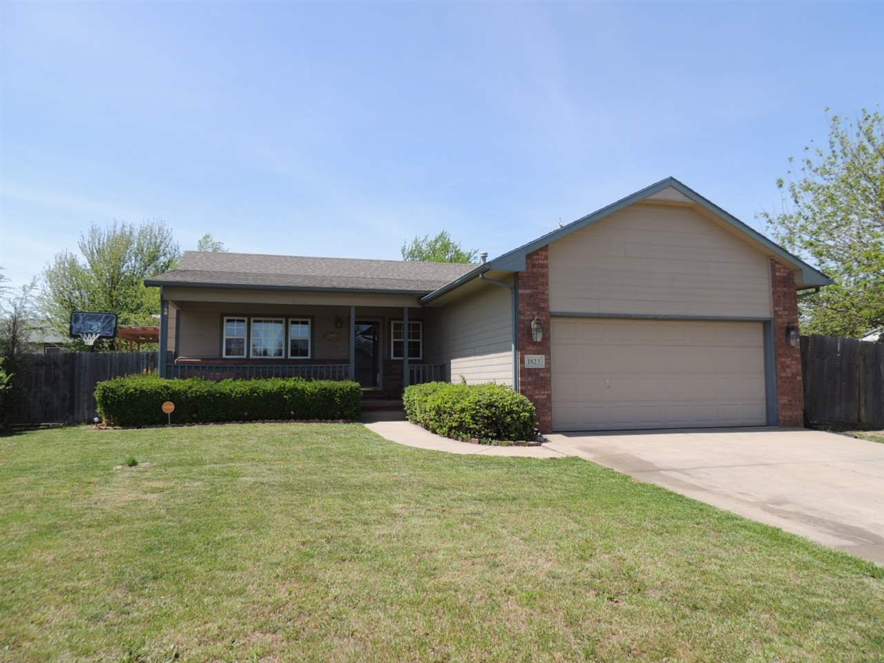 1823 S Brandon St, Wichita, KS 67207