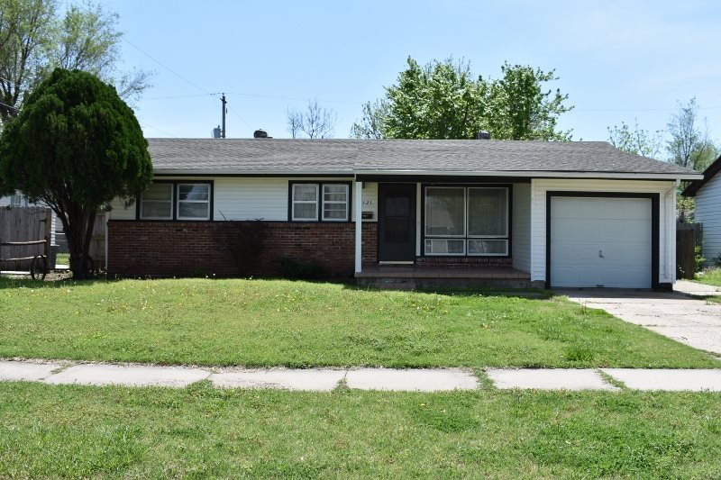 2321 W Lydia Ave., Wichita, KS 67213