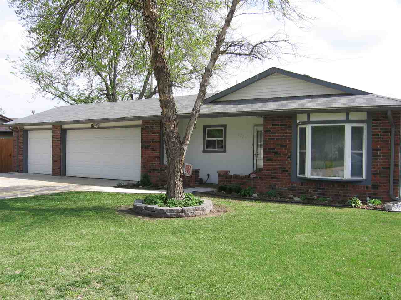 2725 W Crawford, Wichita, KS 67217
